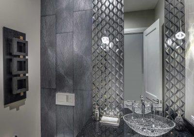 Modern-Jewel_Guest-Bath